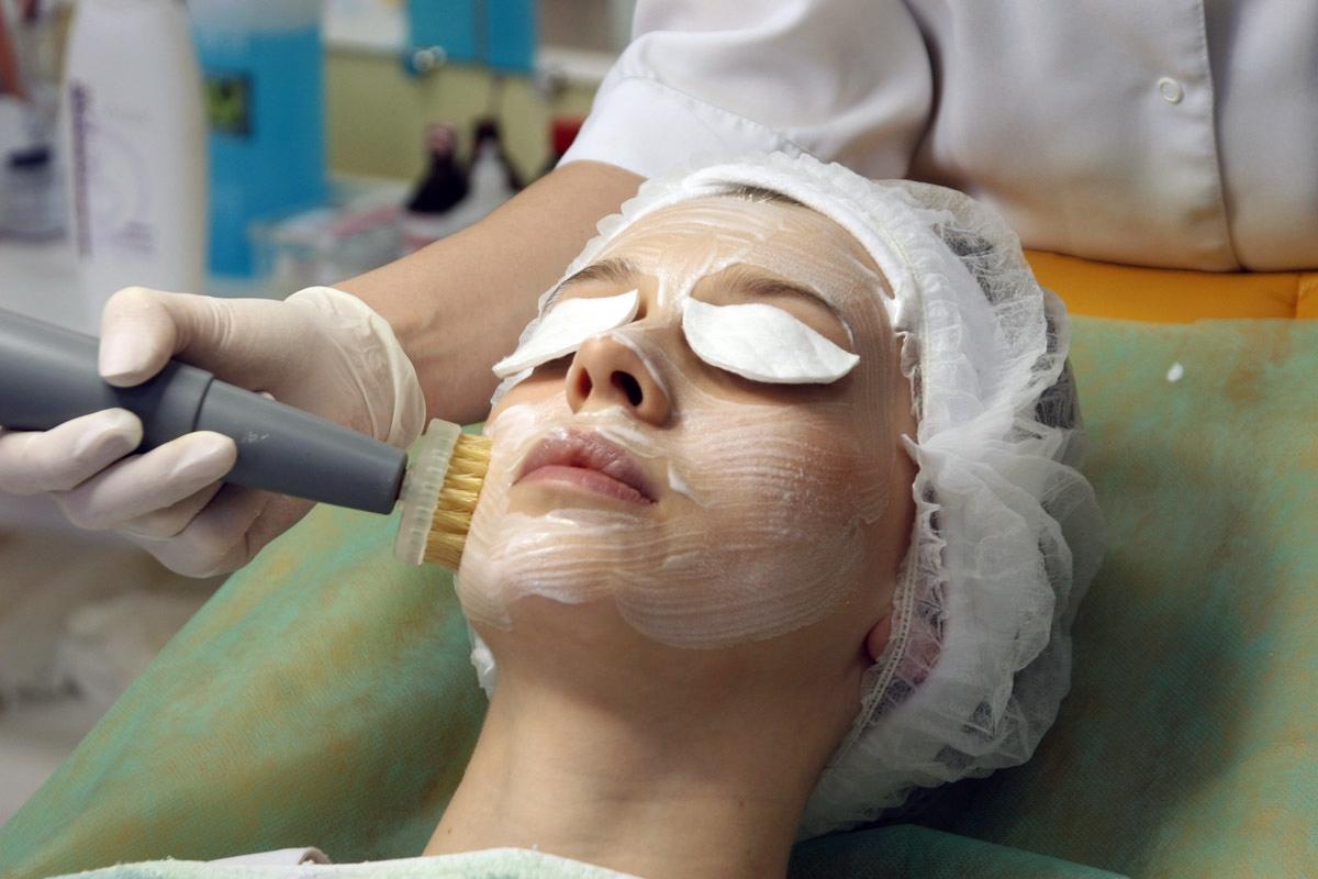 Механическая чистка лица как сделать
