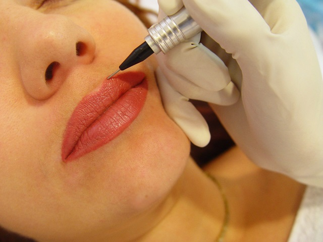 Как увеличить губы - обзор методик и техник увеличения губ